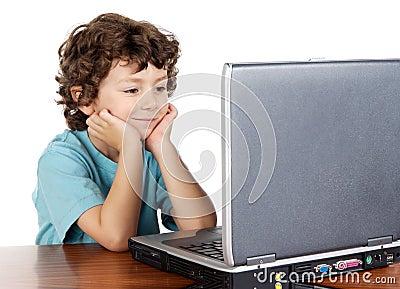 Child whit laptop