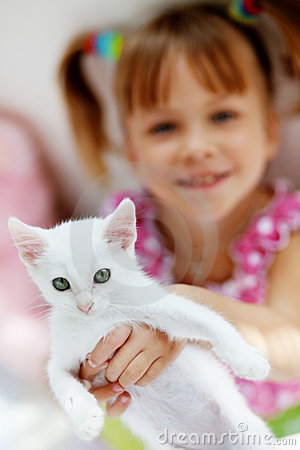 Free Child With Kitty Royalty Free Stock Photography - 10377577
