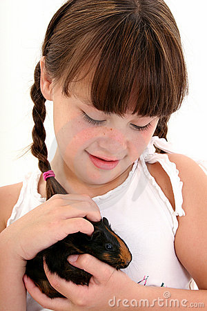 Free Child With Pet Guinea Pig Royalty Free Stock Image - 188836