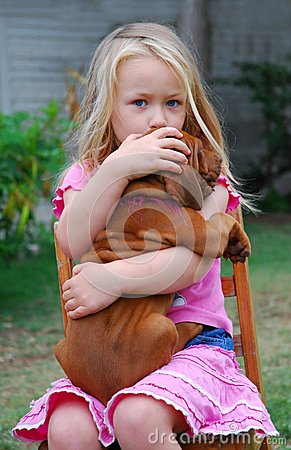 Free Child With Puppy Stock Photography - 31488042