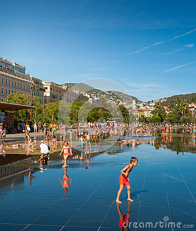 Free Childern Making The Most Out Of Summer At Promenade Du Paillon Stock Photo - 75869520