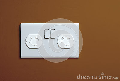 Childproof plug socket