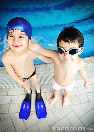 Free Children At Pool, Happiness Royalty Free Stock Photo - 13725435