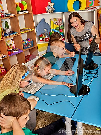 Free Children Computer Class Us For Education And Video Game. Royalty Free Stock Images - 100819189