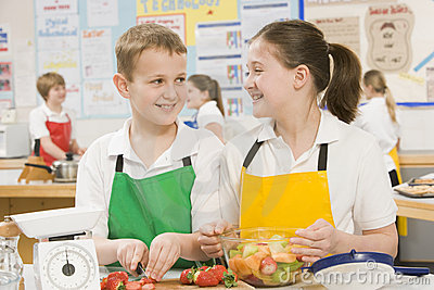 Children in a cooking class