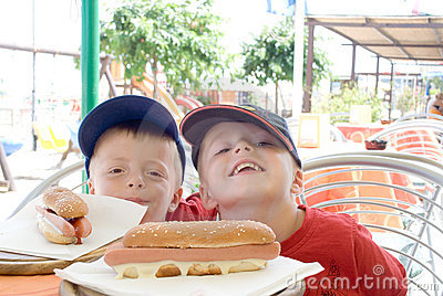Children with Hotdogs