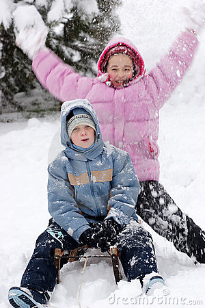 Free Children In Winter Royalty Free Stock Photos - 6853918