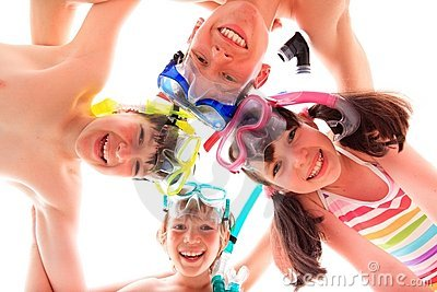 Children with masks and snorkels