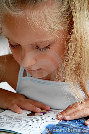 Free Children Reading Stock Image - 11551221