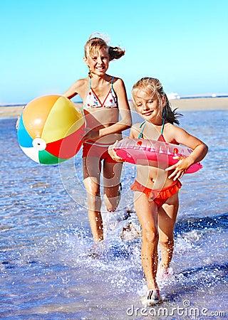 Free Children Running On Beach. Stock Images - 30021384