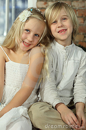 Children - smiling sibling