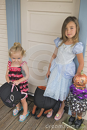 Children to Trick or Treat, Halloween