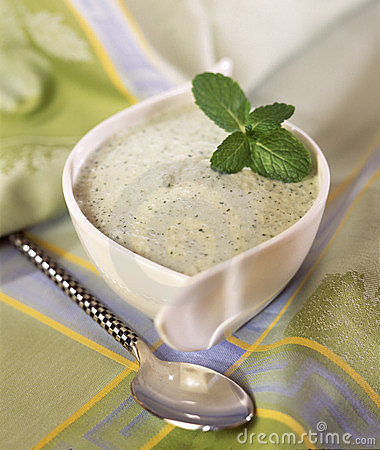 Chilled cream of cucumber soup