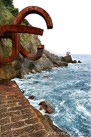 Free Chillida Rusty Steel Sculpture In San Sebastian Royalty Free Stock Photography - 11167857