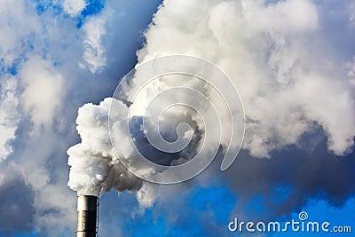 Chimeneas que fuman de una f brica im genes de archivo - Fabricantes de chimeneas ...