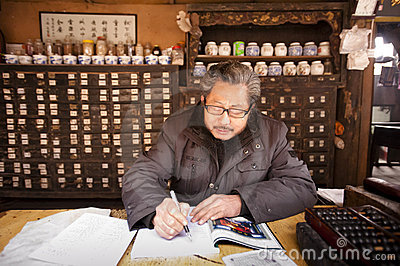 China: Chinese traditional medicine doctor Editorial Photo