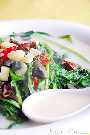 China delicious food-- preserved egg and spinach s