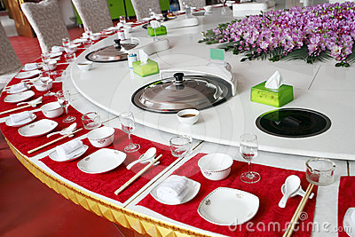 Chinese banquet table setting