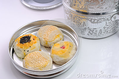 Chinese cakes in thai food carrier