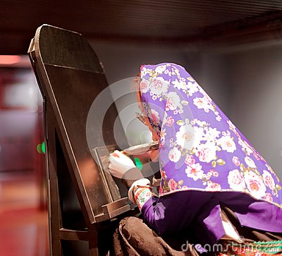 Free Chinese Female Engraver Wearing A Ultra Violet Headdress, Srgb Image Stock Photography - 111640862