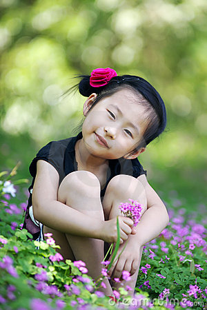 Free Chinese Lovely Girl Royalty Free Stock Image - 19845836