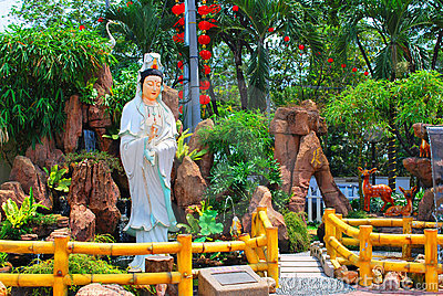 Chinese temple statue