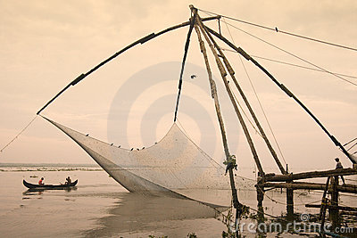 Chinese visserijnetten - Cochin - Kerala - India Redactionele Afbeelding