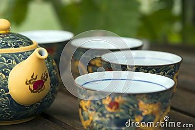 blaue orientalische teekanne mit cup lizenzfreies stockfoto bild 3893705. Black Bedroom Furniture Sets. Home Design Ideas