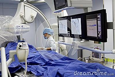 Chirurgie d une façon minimum invahissante