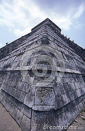 Free Chitzen-itza Pyramid Stock Image - 675601
