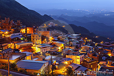 Chiu fen village at night