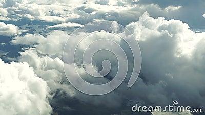 Chmura między samolotem a lądem zbiory