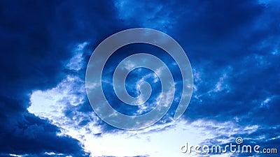 Chmurny niebo w wieczór zbiory