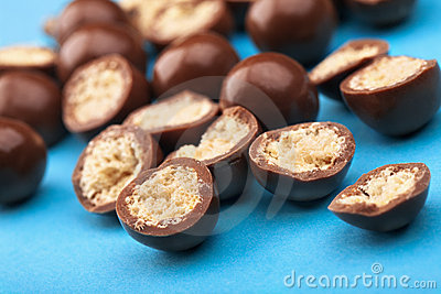 Chocolate balls and halves with crisp filling