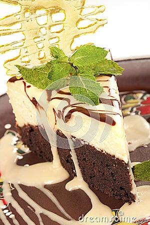 Chocolate cheesecake with caramel  crust
