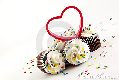 Chocolate Cupcakes White Frosting With Heart Stock Image - Image: 8285261