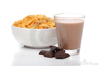 Chocolate milk and cornflakes