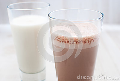 Chocolate and regular milk horizontal