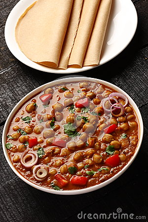 Free Chola Masala Served In Bowl Royalty Free Stock Images - 82221119
