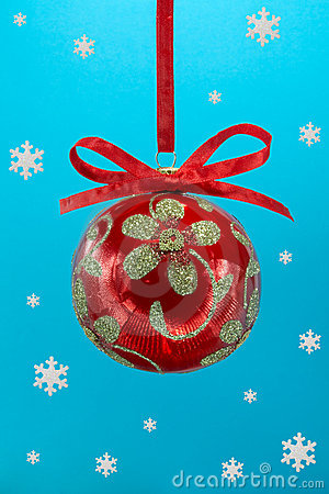 Free Christmas Bulb With Snoweflakes. Stock Image - 7168921