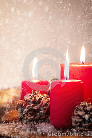 Free Christmas Candles With Christmas Decorations, Christmas Or New Year Atmosphere Stock Photography - 79564132