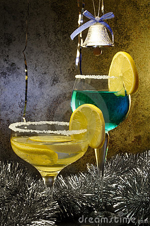Christmas Cocktails with lemons