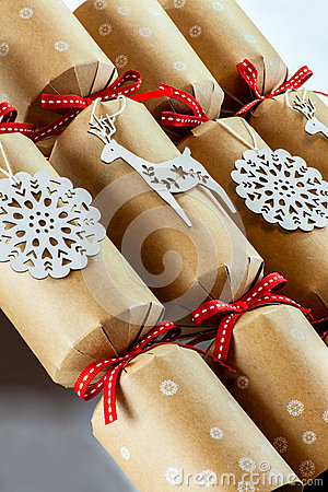 Free Christmas Crackers Royalty Free Stock Images - 47939289