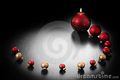 Christmas decoration: candle and balls