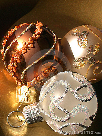 Free Christmas Decorations Royalty Free Stock Images - 3735959