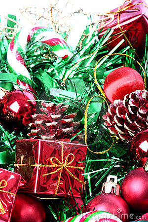 Free Christmas Decorations In Basket Stock Photo - 1404600