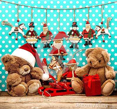 Free Christmas Decorations With Antique Toys And Teddy Bear Stock Photos - 35806223