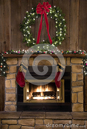 Free Christmas Fireplace Hearth With Wreath And Stockings Stock Image - 34426231