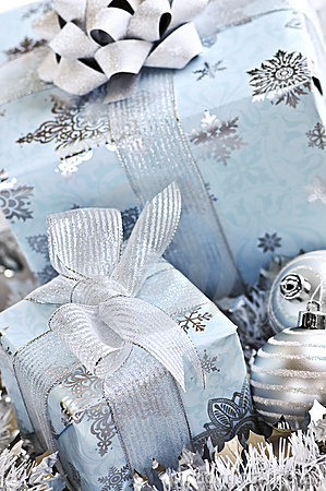 Free Christmas Gift Boxes Royalty Free Stock Images - 6991509