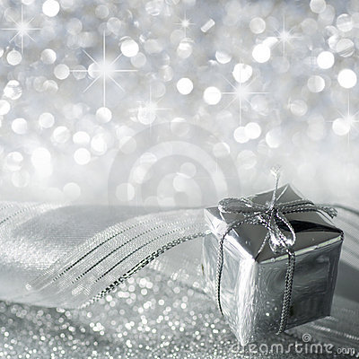 Free Christmas Gift In Silver Stock Images - 19774074